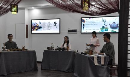 酒店管理专业举行技能比赛颁奖典礼